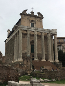 Temple of Antoninus and Faustina2